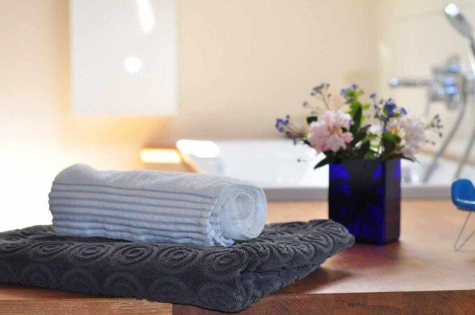 kwiat i ręczniki